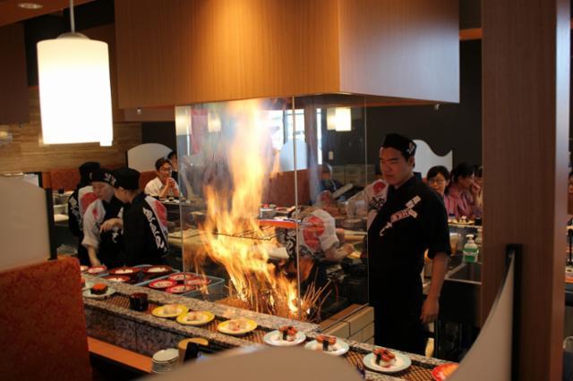 魚魚丸 西尾店の画像・写真